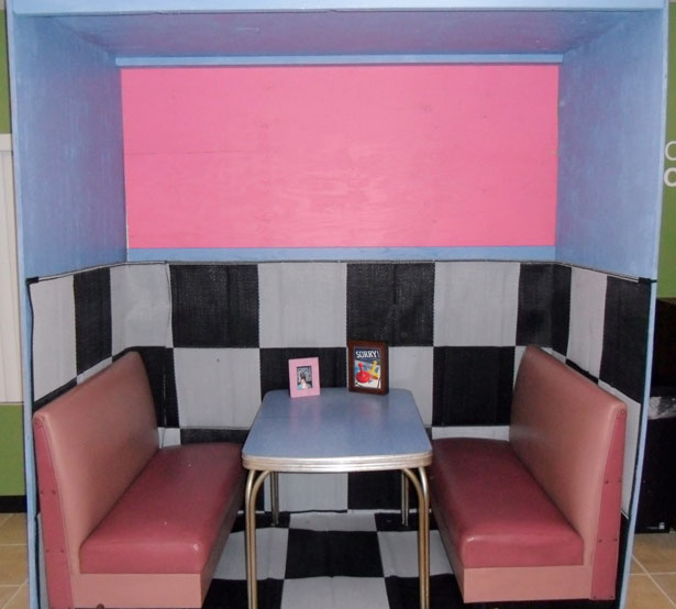 diner-booth-29211298004657XBy
