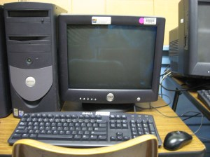 Dell_Desktop_Computer_in_school_classroom