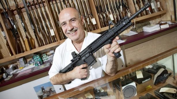 gun_dealer_shutterstock_121604044-615x345