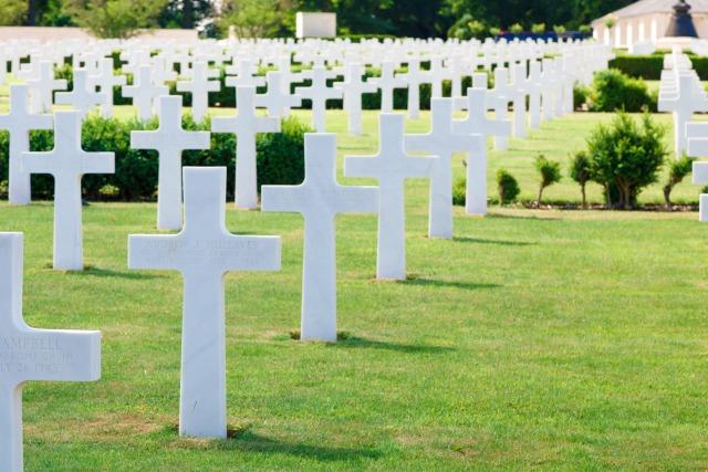 military-cemetery-112998600013sP